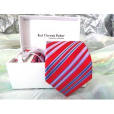 Червона краватка в смужку в наборі з запонками, затискачем в подарунковій упаковці