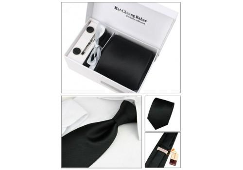 Строгий галстук черного цвета со структурной мелкой полоской в наборе